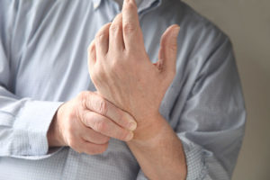 man-with-wrist-pain